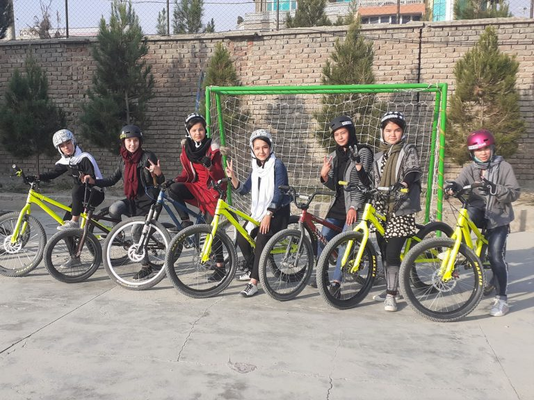 Crowdfunding Drop and Ride PFO Afghanistan girls Kabul bike sport education 2020